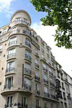 Parking Hotel Carlton's Montmartre