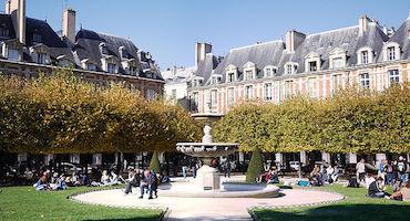 Book your parking space close to the Place des Vosges in Paris in Parkingsdeparis