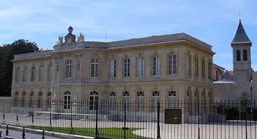 Réservez votre place dans un parking proche du Château d'Asnières-sur-Seine in Parkingsdeparis
