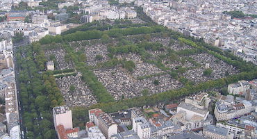 Book your parking space near the Parisian Montparnasse Cemetery in Parkingsdeparis
