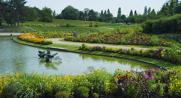 Book your parking space to go to the botanical garden Parc Floral of Paris in Parkingsdeparis