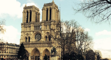 Are you planning to visit Notre-Dame Cathedral? You can reserve your parking space in a car park just alongside it in Parkingsdeparis