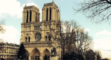 Vous allez visiter la Cathédrale Notre-Dame ? Alors réservez votre place de parking à côté ! in Parkingsdeparis