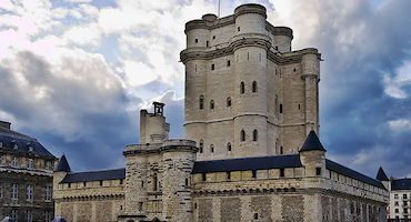 Book your parking space to visit the Château of Vincennes in Parkingsdeparis