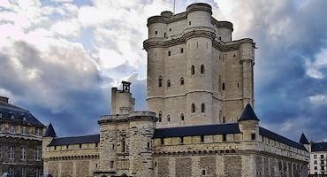 Réservez votre place de parking pour le Château de Vincennes in Parkingsdeparis