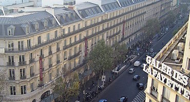 Book your parking space for a spot of shopping in the major department stores on boulevard Haussmann in Parkingsdeparis