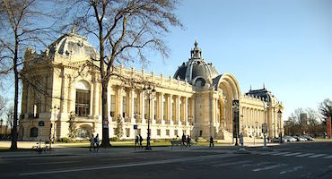 Book your parking space on our Website if you're visiting the Petit Palais in Paris in Parkingsdeparis
