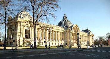 Réservez votre place de parking à l'avance pour visiter le Petit Palais in Parkingsdeparis