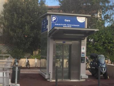 Place Berteaux-Gare de Chatou